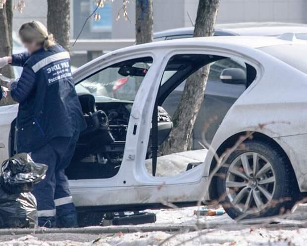 В Москве злоумышленники ночью разобрали припаркованный BMW bmw, вандализм, воровство, кража