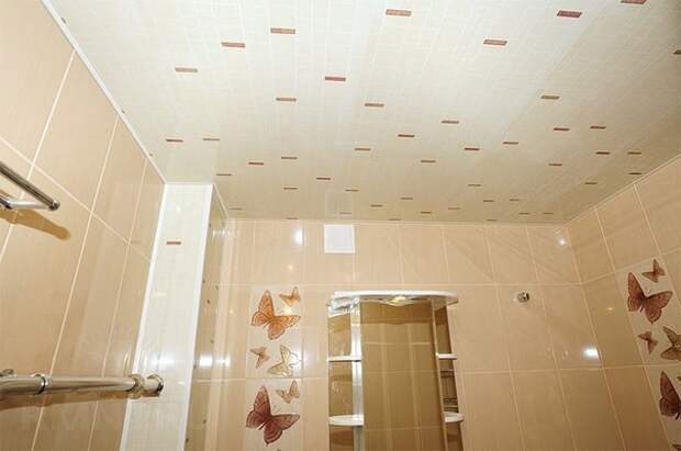 Как сделать потолок из пластиковых ПВХ панелей своими руками