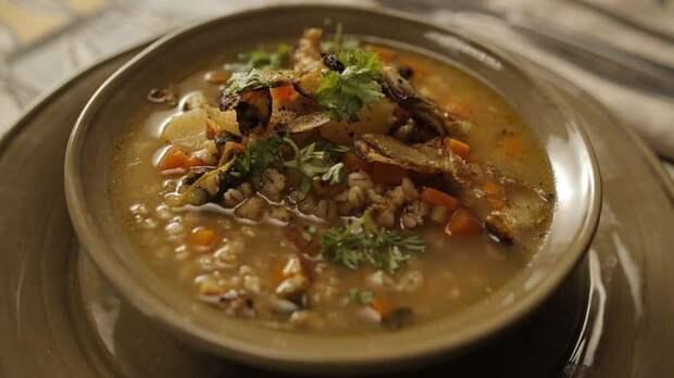 Суп из перловой крупы по-польски. Ароматное первое блюдо для всей семьи