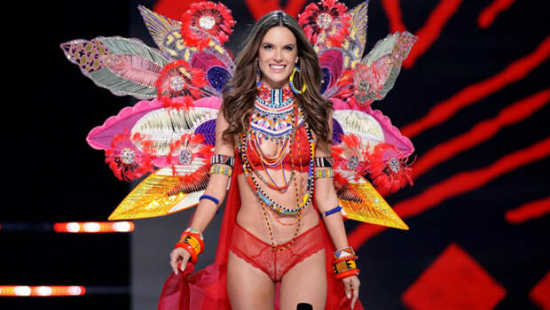 Короче некуда: вызывающий показ Victoria's Secret стал самым соблазнительным во всем мире