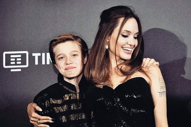Дочь Джоли и Питта больше не хочет быть мальчиком
