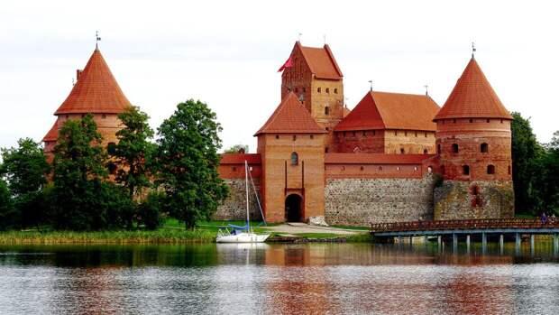 Литва не сможет спасти туротрасль за счет Латвии и Эстонии