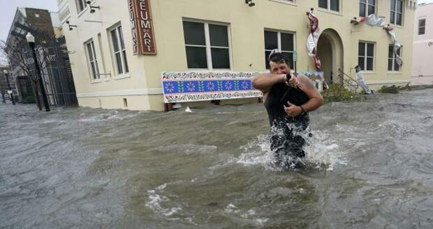 "Кругом вода: ураган ""Салли"" обрушился на побережье США"
