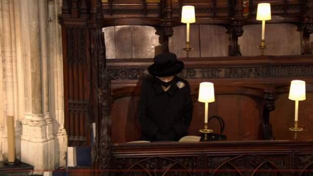 Церемония похорон принца Филиппа завершилась в Виндзоре