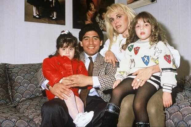 Диего Марадона, его женщины иего дети: жизнь как аргентинский сериал