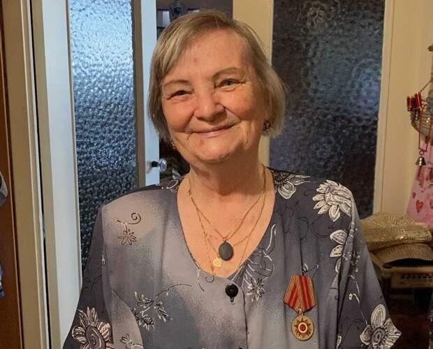 Горожане нашли и вернули медаль, которую пожилая петрозаводчанка потеряла на параде 9 мая