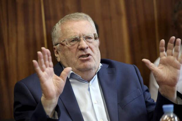 Жириновский потерял штаны в прямом эфире