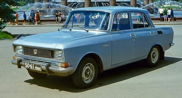 Две провальные модели советских авто