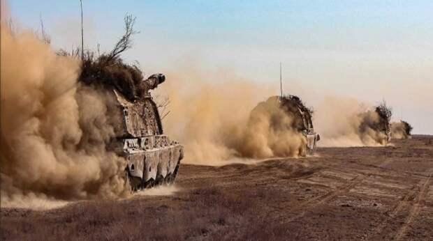 На Украине объяснили демонстративный отвод войск РФ от границ Незалежной