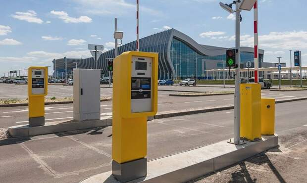 Аэропорт Симферополя изменил правила бесплатной парковки