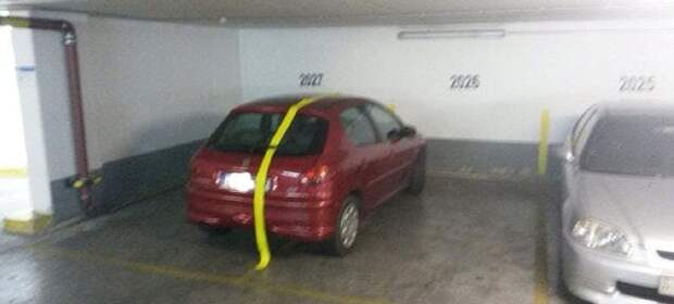 Паркуешься как недоумок - получи, что заслужил! злой юмор, наглые водители, парковка, паркуюсь как идиот, преступление и наказание, смешно, фото, шутки
