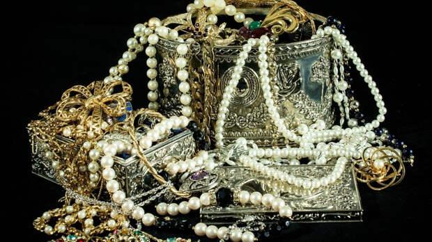 Уникальные драгоценности найдены в болгарском некрополе XII века