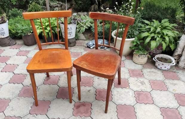 Выпросила у свекрови два старых советских стула и превратила их в настоящую красоту. Хоть на продажу!