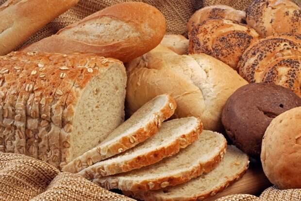 9 гениальных приемов использования обычного хлеба на кухне!