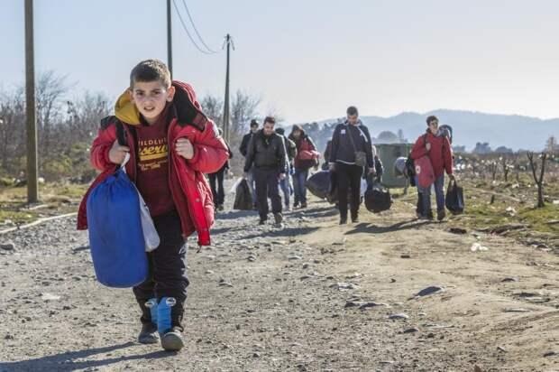 Тысячи поляков вышли наакцию взнак поддержки нелегальных беженцев