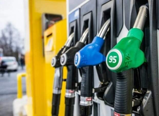 Автолюбитель о бензине в Уральске: Мы сидим на сундуке с золотом, а сами бедствуем