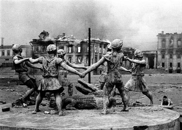 Сталинграда не было! Нашли возмутивший Путина учебник истории
