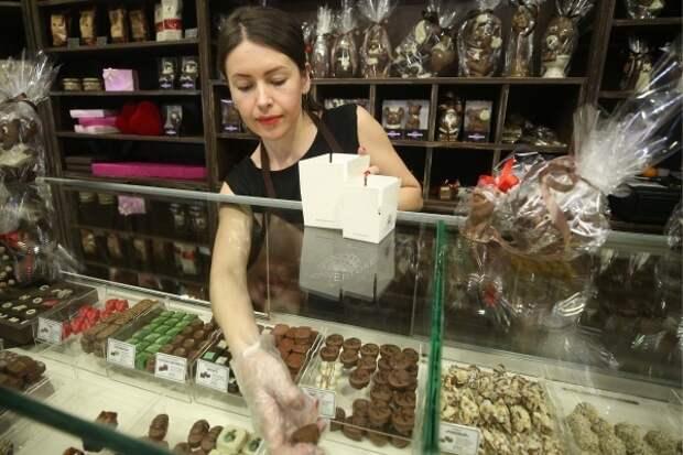 Российские кондитеры предупредили о росте цен на конфеты и вафли