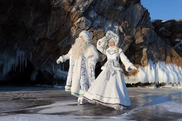 Байкальский Дед Мороз и Снегурочка... Давайте полюбуемся вместе этой волшебной красотой! )