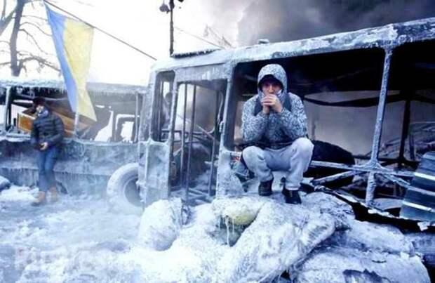 """""""Хлопцы, замерзаем!"""": Украина падает в ледяную пропасть"""