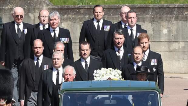 Внуки Елизаветы II побеседовали после похорон принца Филиппа