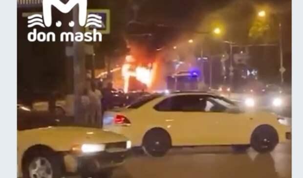 После автобуса на проспекте Стачки в Ростове загорелся троллейбус