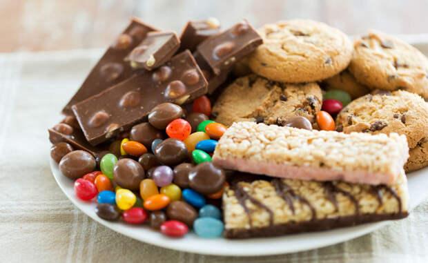 Сахар все считают вредным, но сколько его действительно можно есть, чтобы не было ущерба здоровью?