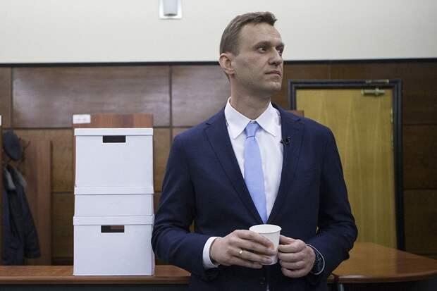 Навальный прекратил голодовку