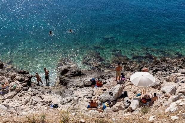 Власти Греции продлили разрешение на въезд неограниченного числа россиян