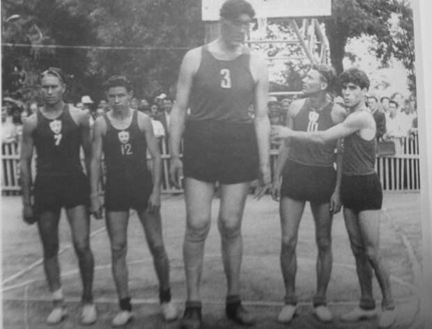 «Вася Чечен»: судьба советского баскетболиста-гиганта