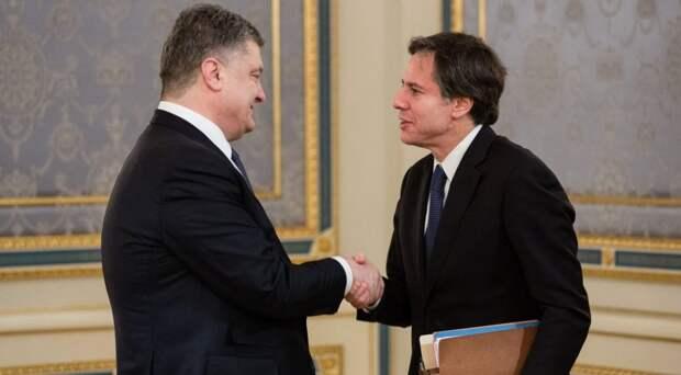 Порошенко попросил пригласить Зеленского на встречу с Байденом
