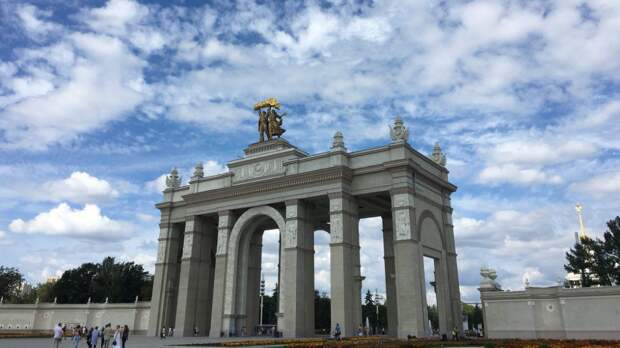 Реставрацию шести павильонов ВДНХ в Москве планируют завершить до конца 2021 года