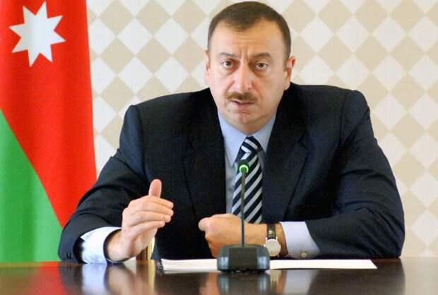 Алиев анонсировал начало строительства железной дороги для транспортного коридора с Турцией
