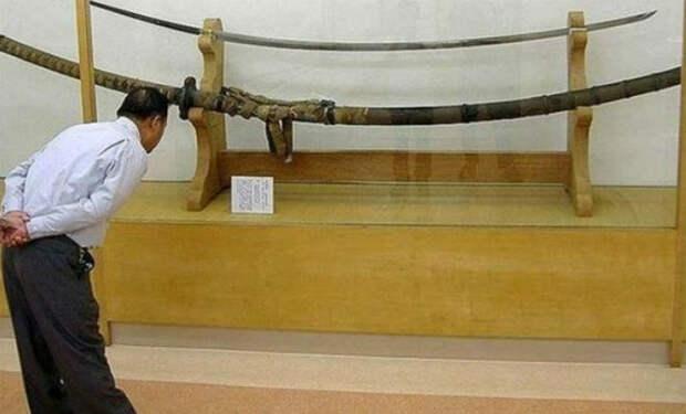 Меч для руки гиганта: ученые гадают, кому предназначался клинок в четыре метра