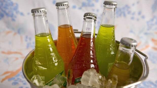 Газировка с сахаром очень вредит организму!