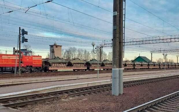 В Беларуси заговорили о неизбежности войны на Украине: Минск стягивает войска к границе