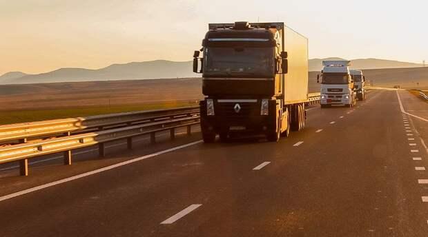 Большегрузам запретили летом при жаре ездить по дорогам Крыма