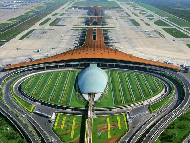 В КНР к 2020 году построят и отремонтируют 74 гражданских аэропорта