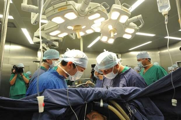 Краснодарские медики смогли восстановить лицо молодой женщины, взяв костную ткань из ее ноги