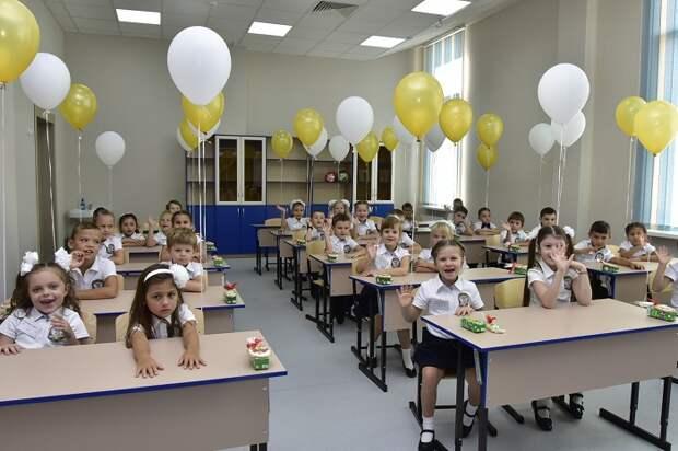 В Госдуме одобрили проект о зачислении братьев и сестер в одну школу