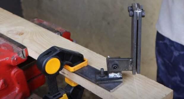 Направляющая для ручной ножовки по дереву