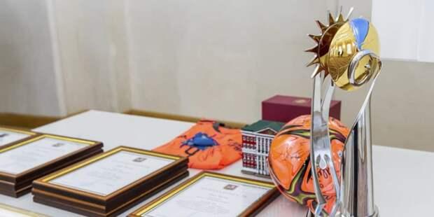 Собянин наградил футболистов сборной России по пляжному футболу за победу в ЧМ