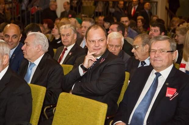Тем временем в Латвии: уроки русофобии, образ оккупанта, война с именами