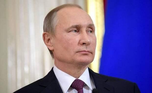«Призываем бороться!»: Лондону не понравились слова Путина о «маме и папе»