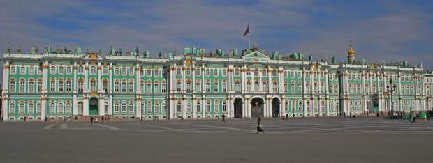 http://www.opeterburge.ru/images/article/2455941_Winter_Palace_SPB_from_Palace_Square.jpg