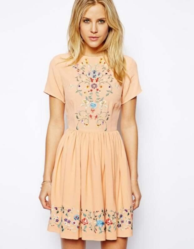 Платье с вышивкой.jpg
