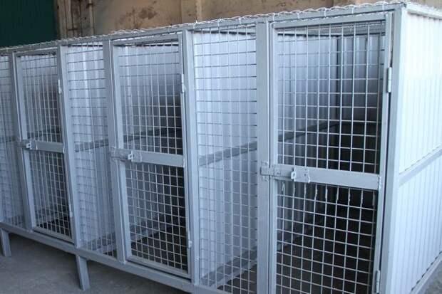 На Чукотке участкового подозревают в удержании людей в самодельной клетке