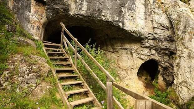 Денисову пещеру включили в список особо ценных объектов культурного наследия народов России