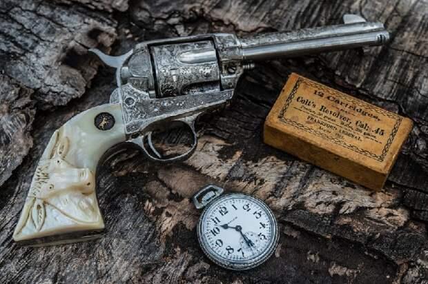 Из коллекции оружия.