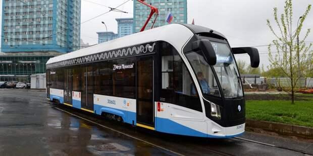 На маршрут в Строгине вышли новые односекционные трамваи